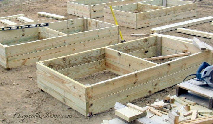 Raised Bed Gardens: How To Build the Perfect 4' x 8' Box, 4' x8's, raised bed, garden boxes