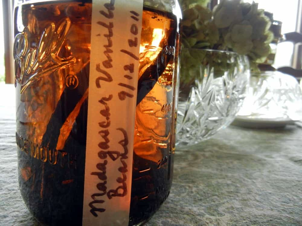 Make Vanilla Extract For Holiday Baking, baking, vanilla pods, beans, chef quality, perpetual extract, vodka, flavor, real vanilla, alcohol free, non-alcoholic, shelf-life, vanilla sugar, gift, baking projects, fruit of orchid plant, bean pod, spice, hand-pollinated, vanilla orchids, tropical plant, Mexico, Indonesia, Tahiti, Madagascar, imitation flavor, flavors, recipe, ingredients, directions,