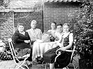 Understanding Dad: His Childhood, the Dutch Resistance & Finishing Well. My grandparents and aunts and uncle