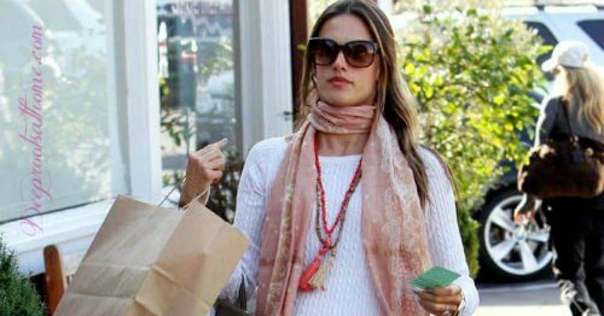 Beautiful, Feminine Style Running Errands & On the Go. Running errands