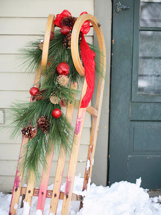 Simply Classic Amp Timeless Natural Holiday Decorations