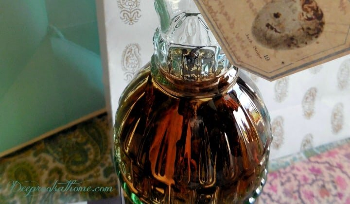 'Perpetual ' Vanilla Extract ~ A Gift That Will Last Forever. A gift bottle of Madagascar Bourbon vanilla