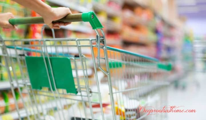 50+ Aspartame-Containing Products To Avoid. A shopping cart with a green plastic seat