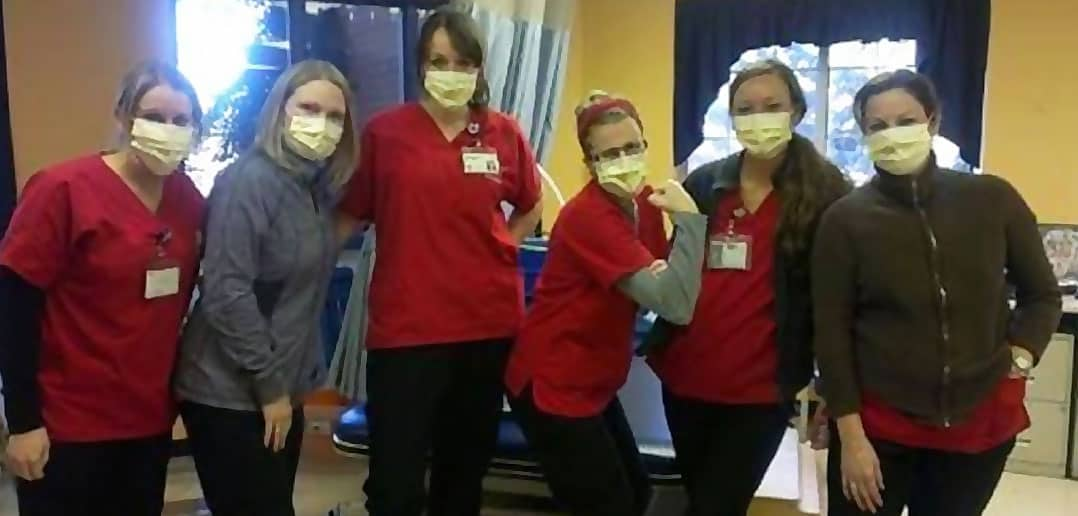22,000 US Nurses Refuse Flu Vaccines At Expense Of Career. brave nurses in masks,