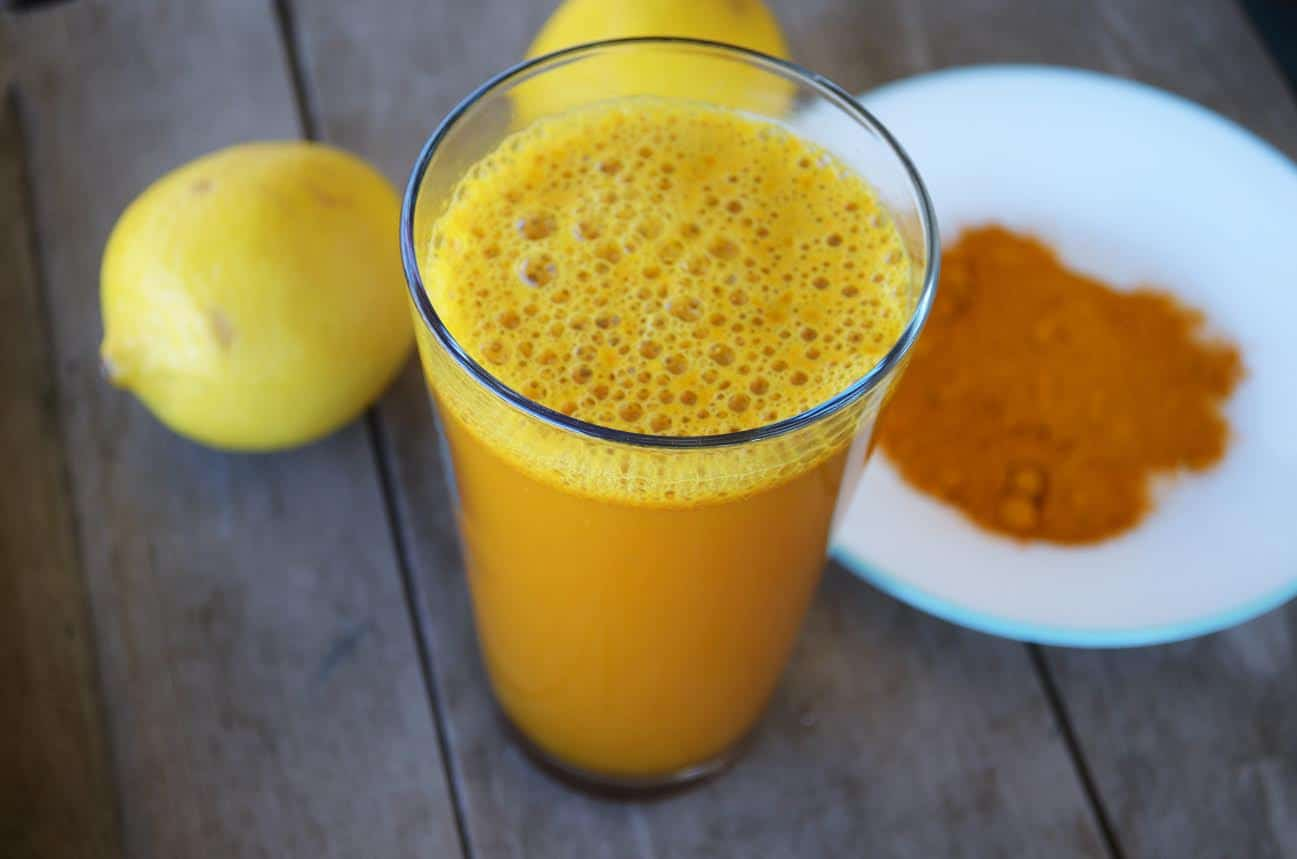 Anti-inflammatory Lemon-Turmeric Detox Support Drink. Turmeric lemonade